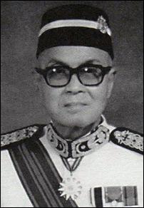 C.C. Too proudly wearing the Panglima Setia Mahkota order